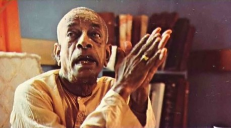 Srila Prabhupada Recalling the press conference. Krishna never says we are all one.