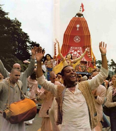 ISKCON Devotees Chant Hare Krishna at Rathayatra Festival. 1976.