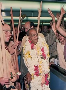 Srila Prabhupada Begins World Tour,1976.