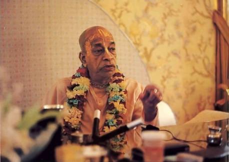 Srila Prabhupada preaches on the Great Brain behind the universe