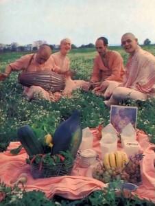 Krishna Prasadam. ISKCON France. 1977
