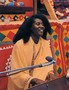 Turiyasangitananda (Alice Coltrane) musician chanting Hare Krishna - 1977