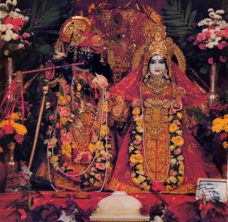 ISKCON Radha-Krishna Deities - 1977