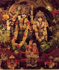 Sri Sri Radha-Vrindavan Candra, New Vrindavan - 1977