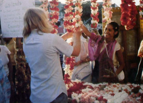 many guests take garlands
