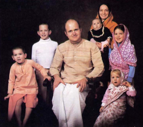 BAHUDAKA DASA AND FAMILY