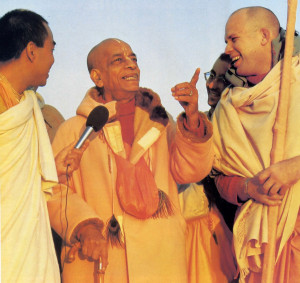 Delighting his disciples with spiritual insights, Srila Prabhupada instructed them in the philosophy of Krsna consciousnes as he himself had received it through the chain of disciplic succession.