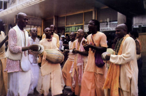 After the ceremonies in the temple, the celebrating went on with ecstatic chanting in town