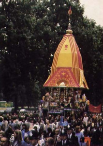 The Lord of the Universe rolls down Park Lane in His chariot during the Ratha-yatra festival in London