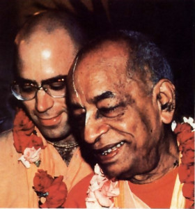 As personal secretary 10 Srila Prabhupada, Srila Tarnal Krishna Goswami shared many intimate moments with him , as here in India in 1976.