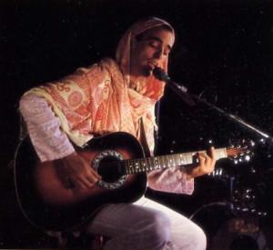 Mahavirya dasa sings of Krsna in Montreal.
