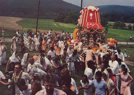 Devotees pull the chariot at ISKCON's farm in Pennsylvania.