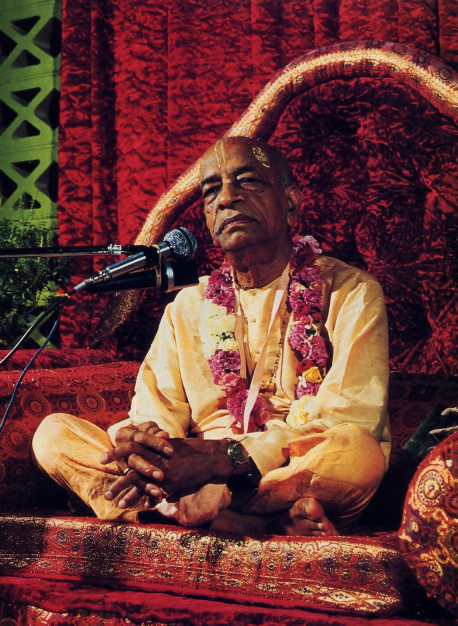 Srila Prabhupada lecturing in Dallas in 1973.