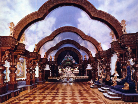 Ornate arches span the ceiling of the Palace temple room, styled after temples in India and designed by ISKCON architect Surabhi Swami. The temple boasts thirty handcrafted pillars.