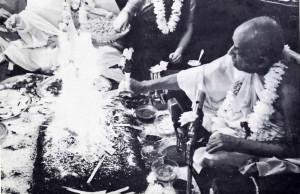 His Divine Grace performs the fire sacrifice.