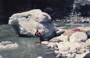 To cap off an exhilarating journey, Jagatguru Swami bathes in the freezing water