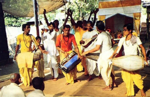 In the city of Navadvipa, local people chant the Lord's holy names for as long as seventy-two hours nonstop
