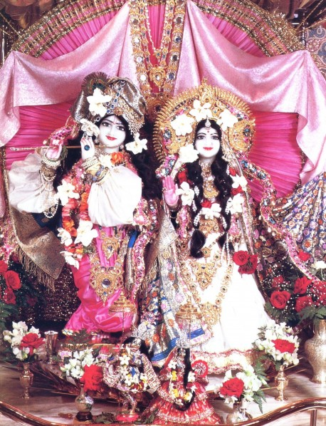 The Deities Sri Sri Rukmini Dvarkadesa at ISKCON Los Angeles (New Dvarka), 1974.