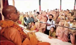 Srila Prabhupada with disciples and well-wishers at New Vrindavan. 1974.