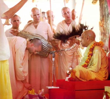 Disciples offering Srila Prabhupada Guru Puja. New Vrindavan 1974.