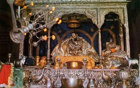 Aroti at Sri Sri Radha Ramana Temple Vrindavan, India. 1974.