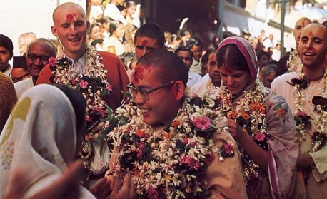 Sankirtana in Surat, India. 1975.