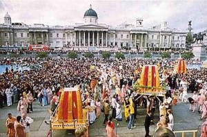 Crowds jam London's Trafalgar Square for ISKCON's 1974 Ratha Yatra Festival.