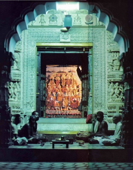 The Singing at some Jagannatha Puri Temples goes on 24 Hours,  1976