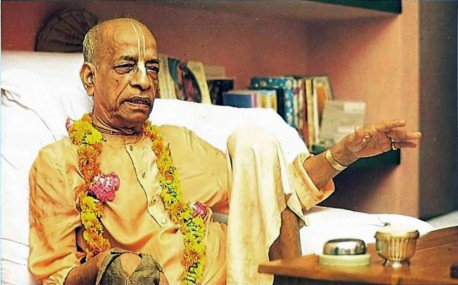 Srila Prabhupada preaching on dependence and independence.