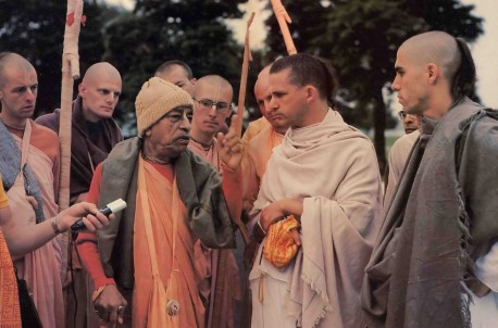 Prabhupada: unfortunately many parents are not satisfied with this Hare Krishna movement - 1977
