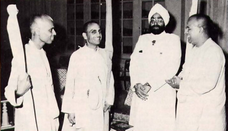 President Giani Zail Singh of India (second from right) chats with His Holiness Lokanatha Swami (at far left), His Holiness Nava-yogendra Swami (on the president's right), and Srila Gopala Krsna Goswami.