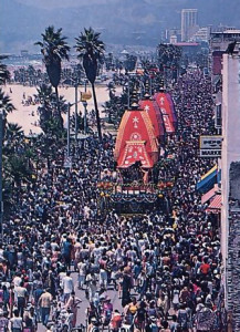 Hundreds or thousands join the annual Festival or the Chariots parade (Ratha-yatra) at Venice Beach.
