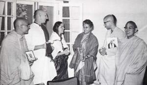 Auspicious gathering: India's Prime Minister, Srimati Indira Gandhi, meets with Srila Prabhupada's international sankirtana disciple and accepts a Back to Godhead magazine.