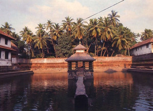 Within the temple compound the quaint Madhvasarovara serves as the traditional bathing place for the priest and his attendants.
