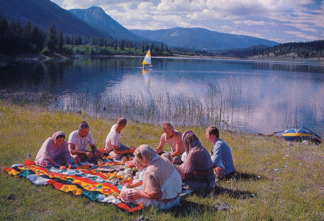picnic beside one of the farm's peaceful lakes