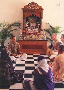 Farm president Tarakanatha dasa gives a class on the Srimad-Bhagavatam, India's great spiritual classic, with Srila Prabhupada's translation and commentary.