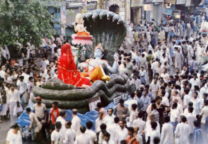 One of the floats featured Laksmi-Narayana (the goddess of fortune and the Supreme Lord, Narayana, her husband) and Brahma atop a lotus flower.
